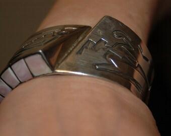 Beautiful Sterling Pink Mother of Pearl Vintage Hyson Craig Hopi Style Navajo Bracelet 74 Grams