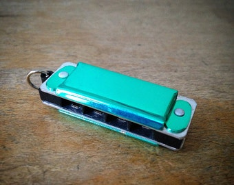 Miniature Harmonica Pendant, TEAL Green / Silver, Mini Mouth Organ Charm, Jewelry Supplies (AY040)