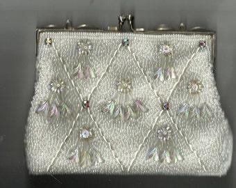 Vintage formal beaded clutch purse.