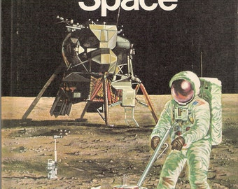Into Space Vintage The Starting Point Library Series Book Michael W Dempsey and Angela Sheehan