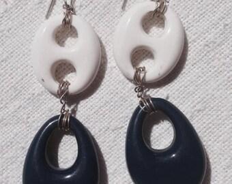 MELLIFLEURS handmade silver earrings, vintage plastic white and blue