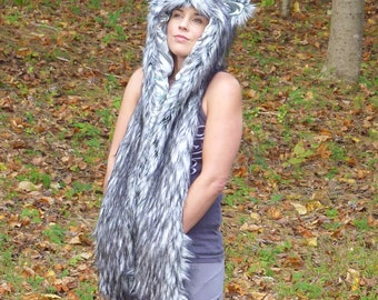 One Man Wolfpack Grey Wolf Scoodie (Hood, scarf with mittens)