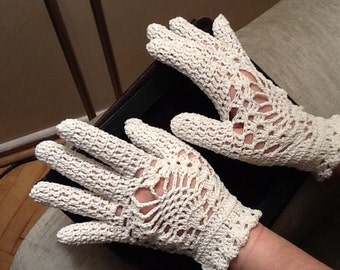 CROCHET GLOVES - Wedding Gloves / Bridal Gloves /  Gloves with Fingers / Vintage Style / Pineapple Gloves / Wedding Accessory / 50% OFF !!!