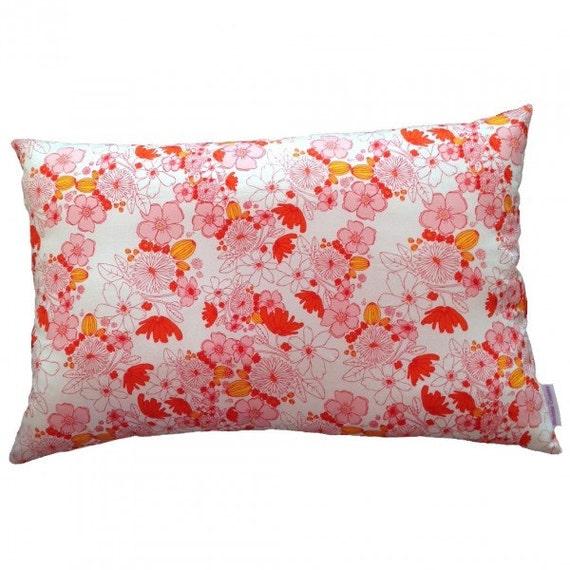 Cushion pillow  pink flower october trend autumn finds