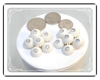 Coro Lucite Earrings -   Fun Summer White & Rhinestone Cluster Clip on Earrings   E183a-040812000