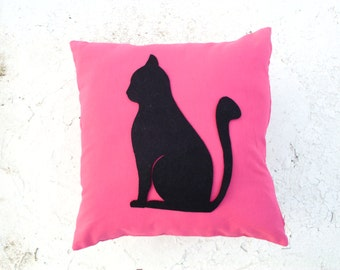 Cat Lovers pillow cover - Pink linen pillow cover with black felt sitting cat - Meow - Gift for her for children for mom - Ready to Ship