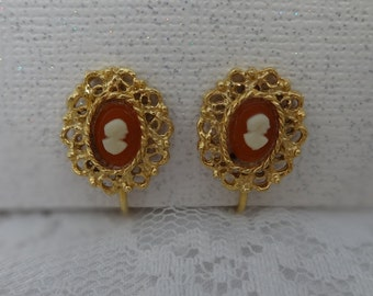 VINTAGE FILIGREE CAMEO Clipback Earrings Small Gold Tone Antique Appeal Victorian Style
