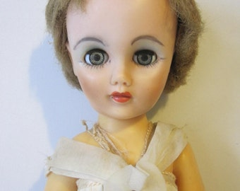 "Creepy Goth Bride Vintage Doll in Dress Size 17"" Brown Hair Gray Eyes E580BS"