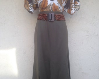 Vintage womens olive skirt, long skirt, box pleat, olive army green, slim fitted, pencil skirt, size 14