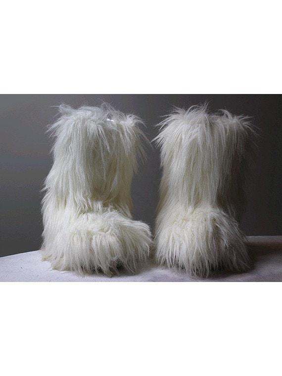 BOTTES YETI faux poil de chèvre 38/40 moon boots