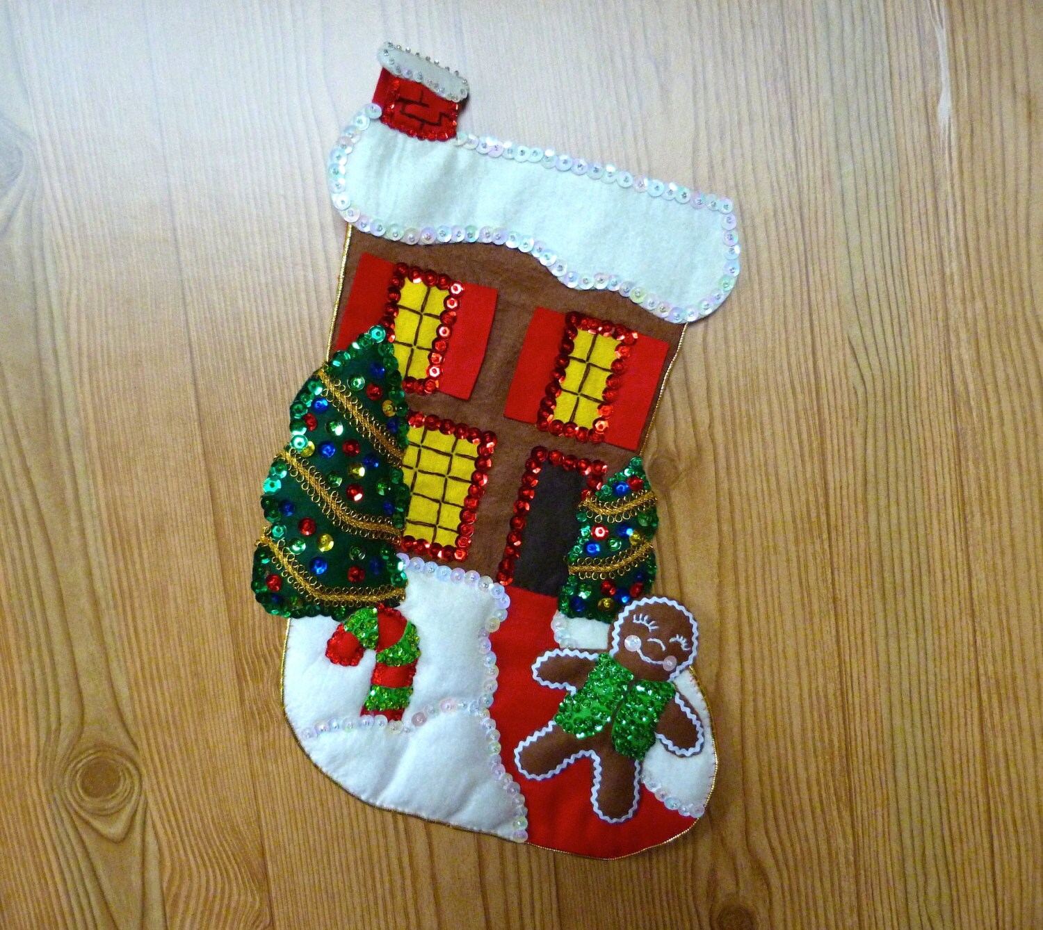 LeeWards Felt Kit Christmas Stocking Finished Gingerbread Village House Holiday Home Decor Sequins Beads Embroidery Handmade Vintage Older