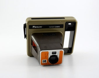 1970's Kodak Pleaser Camera