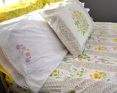 vintage full bedding set: flat sheet, fitted sheet, 5 pillowcases