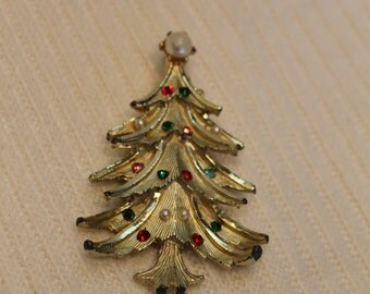 Vintage Christmas tree brooch with faux pearls and rhinestones