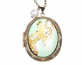 Necklace Medallion Photo giraffe mother and child (3040 m)