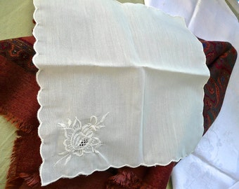 Vintage Handkerchief - Embroidered Ivory Hankie - Woman's Scalloped Kerchief - Wedding Madeira Style Embroidery - Vintage Linens