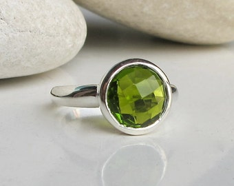 Stackable Peridot Ring- Solitaire Green Quartz Ring- August Birthstone Ring-Green Gemstone Ring-Simple Green Stone Ring-Sterling Silver Ring