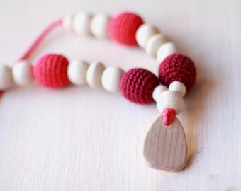 Burgundy Nursing Necklace-Teething Necklace with Wooden Pendant- Breasfeeding Necklace- Wooden Baby Teether