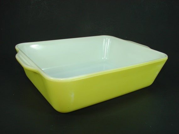 Pyrex Yellow Rectangle Casserole Milk Glass Baking Dish or Refrigerator Bottom