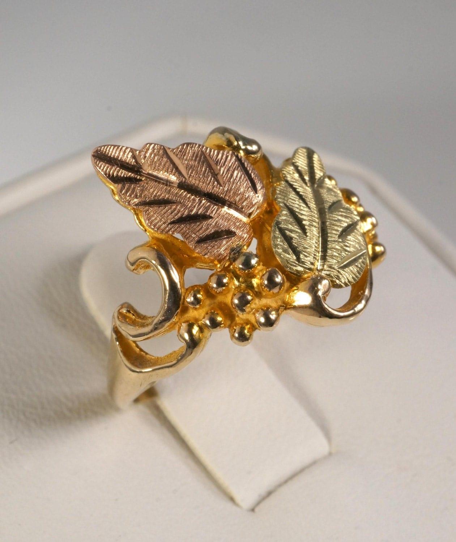 Vintage 10k Black Hills Gold Ring