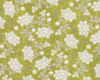 Moda - Garden Project by Tim and Beck Vintage Floral in Green Apple 39552-16 by the Yard