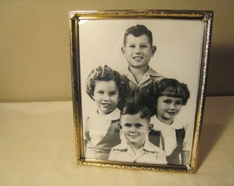 8 x 10 Gold Tone Metal Picture Frame - Mid Century / Hollywood Regency Style Frame - Shabby Chic / Paris Apartment Desk Frame