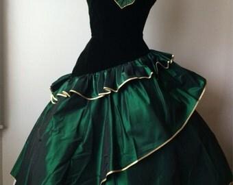 Fabulous Victor Costa Emerald Color Designer Dress Christmas Dress Evening Dress