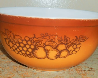 Vintage Bowl, Pyrex, Old Orchard, Brown, Nesting Bowl, Large, Mixing Bowl, 2 1/2 Qt, Fruit,  #403