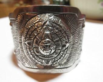 MACIEL Mexican Sterling Cuff Bracelet  Aztec Sun God Calender  Vintage REPOUSSE Bracelet