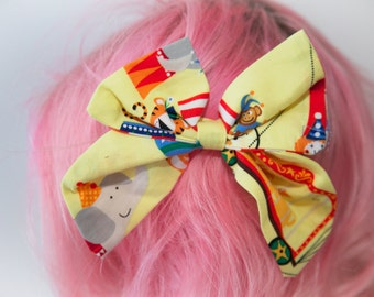 Large Circus Bow