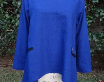 Loose Tunic with Long sleeve.