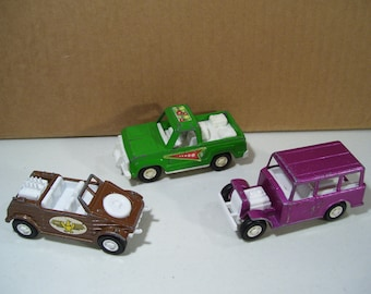 Lot of 3 Tootsietoy Diecast Vehicles, Larger Size, Kubelwagon, Truck, Resort Shuttus Bus