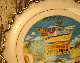COLORADO STATE summit pikes peak plate lovely road trip souvenir state plate collectible cool road trip home decor red green blue gold