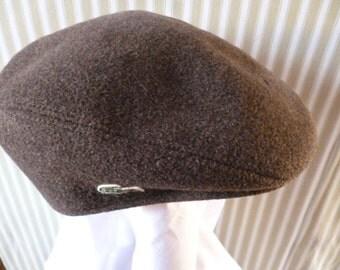 A LACOSTE MANS CAP