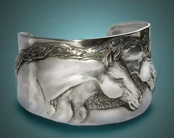 Horse bracelet, Two Horse Heads  cuff bracelet in silver-pewter handmade USA