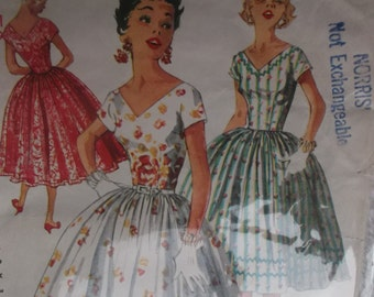 """Size 11 Bust 29 One Piece Dress With Full Skirt and """"V"""" Neckline 1950s Simplicity Sewing Pattern 1159 Complete Simple to Make"""