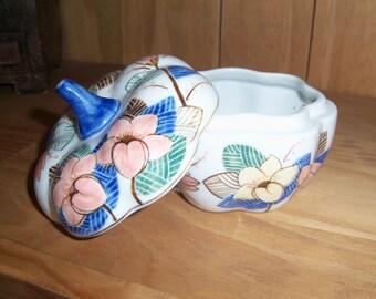 Vintage Porcelain Pumpkin Dish Hand Paint in Thailand