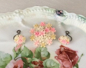 Sweet Vintage 1940's Plastic/Celluloid Floral pin w/ matching earrings...Spring Flowers