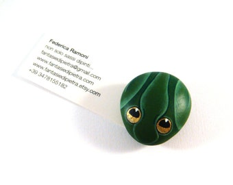 Emerald frog magnet - hand painted rock