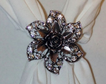 Scarf Magnet Flower 2 pendant with rhinestones - New Arrival