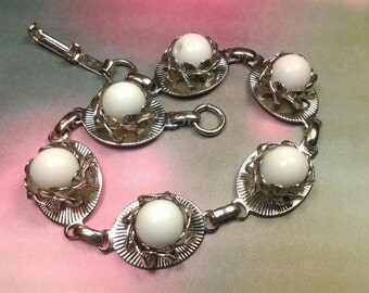vintage bracelet costume jewelry lucite white