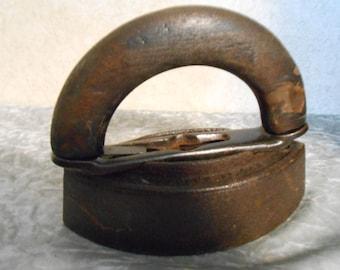 1800's  Sad Iron