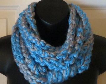 MORE COLORS AVAILABLE..Chunky Infinity Scarf..Turquoise & Grey..Cowl..Neck Warmer..Chain..Accessory..Gift