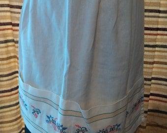 SALE Vintage half apron with basket of flowers on pocket