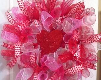 Valentine Wreath/ Heart Wreath/ Valentines Mesh Wreath/ Valentine's Day Deco Mesh Wreath