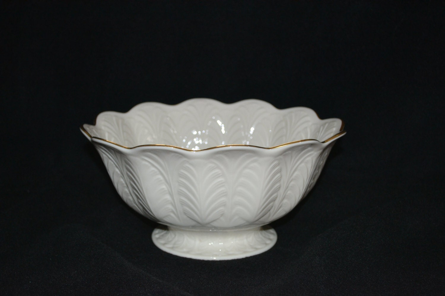 Lenox acanthus leaf centerpiece footed bowl by attictoseller