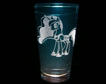 Princess Luna Full Body - Pint Glass