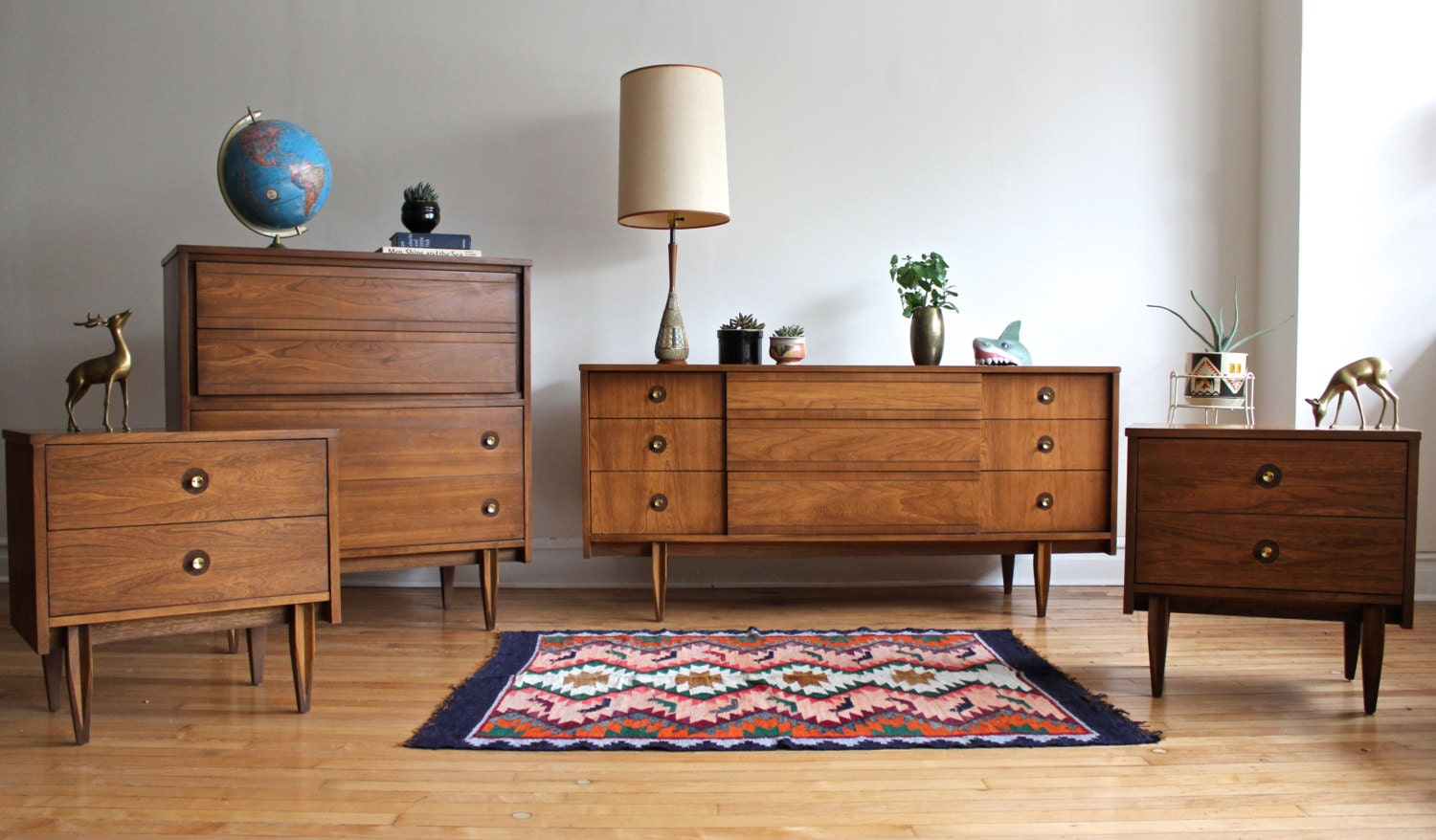 Mid century modern bedroom set by hooker for Modern mid century furniture