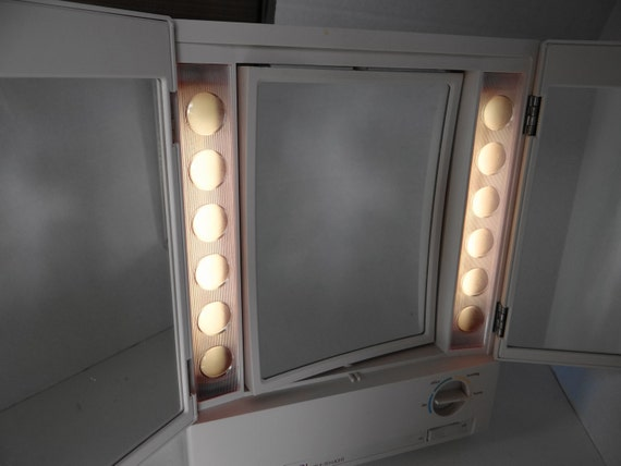 Vintage Clairol True To Light Make Up Lighted Mirror Two Sided