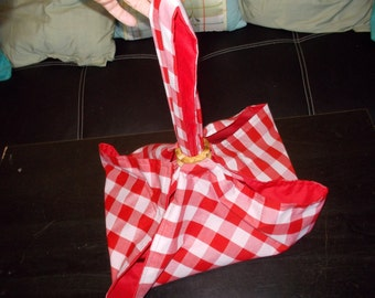 Pie and Cake carrier.  Red and white large checkered with red lining
